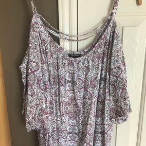 Torrid paisley cut out shoulder shirt size 2